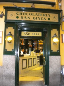 Chocolatería San Ginés || Travel Far, Eat Well