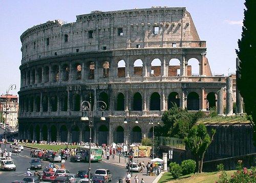 Roman Colosseum || Travel Far, Eat Well