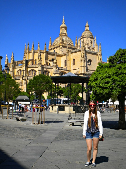 Exploring the Segovia Cathedral